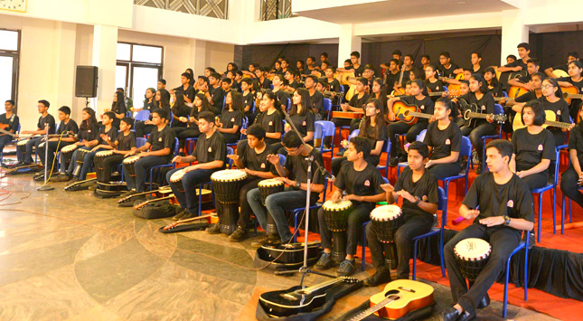 STUDENTS CREATE RECORD OF PLAYING 